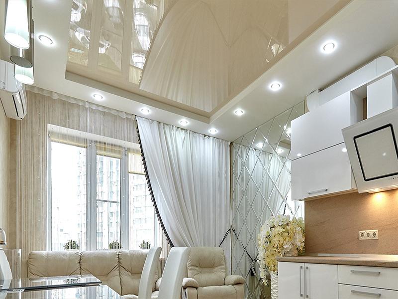Китайские натяжные потолки на кухне